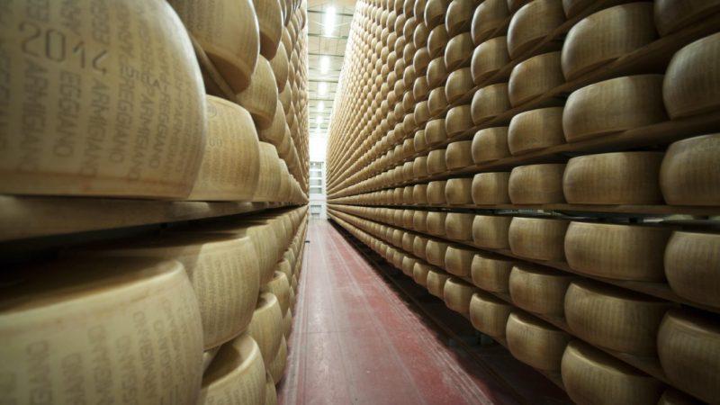Parmigiano Reggiano: il 3 e il 4 ottobre torna Caseifici Aperti