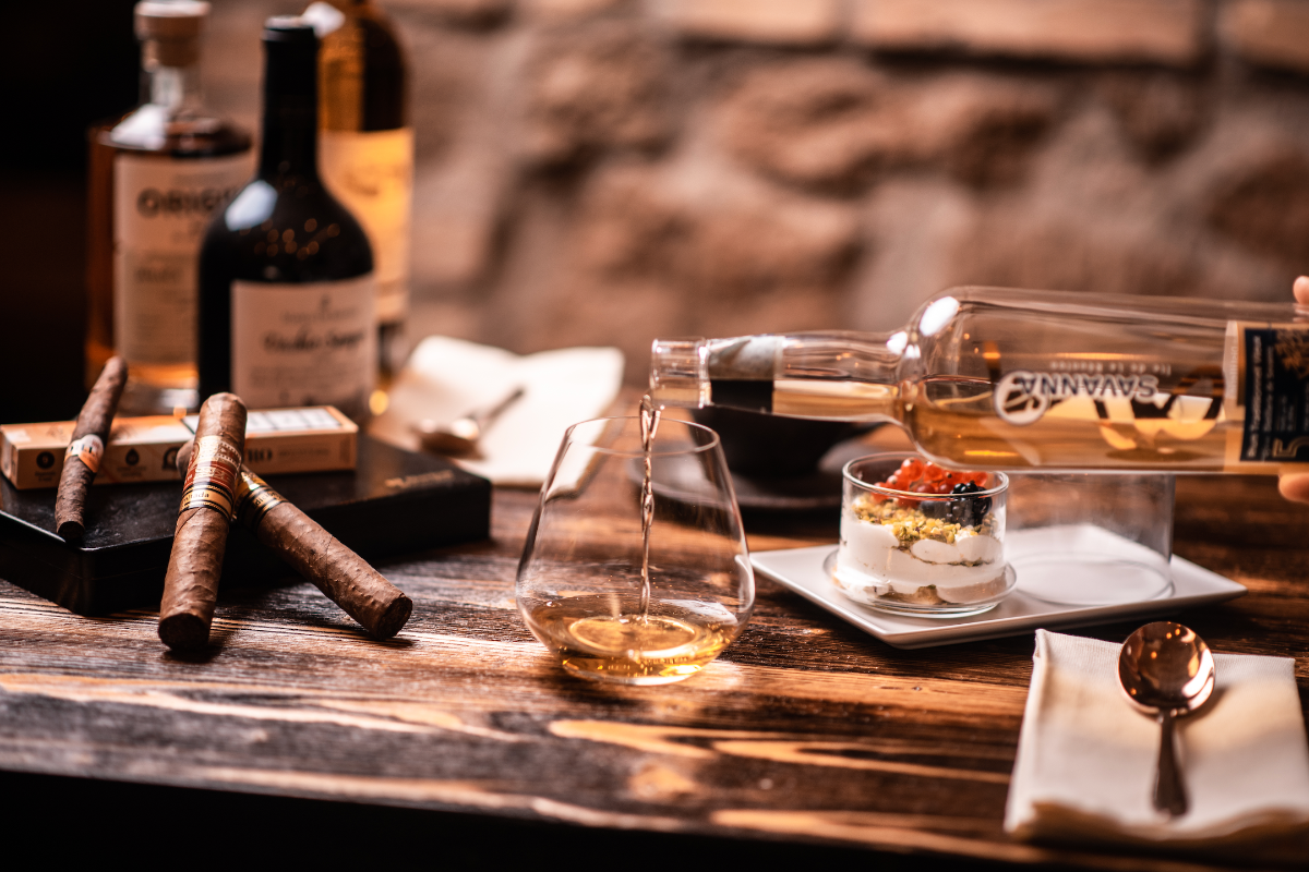 Enoteca Verso: tra 900 etichette di vino si può mangiare